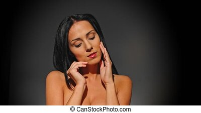 Woman with beautiful face - Nude woman with natural make up...