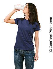 Woman with blank purple shirt drinking coffee