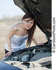 woman with  breakage car