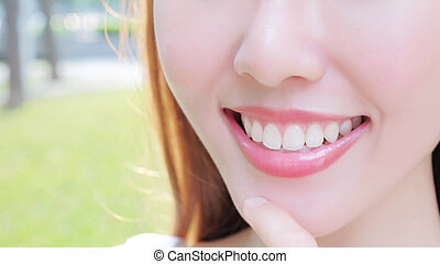 woman with health teeth