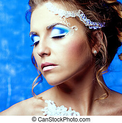 woman with makeup - beautiful woman with reative makeup (...
