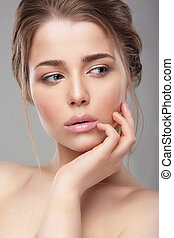 Woman with natural make-up. - Portrait. Face close-up....