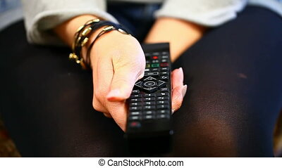 Woman with remote control episode 3