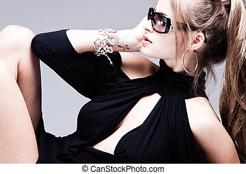 woman with sunglasses - fashion woman with sunglasses...