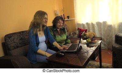 woman work computer