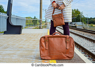 womans, mains, sac, station, tenue, valise