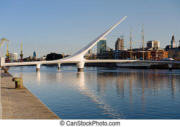 Puerto Madero, Buenos Aires, Argentina. - Women�s bridge...