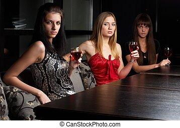 Women in cafe