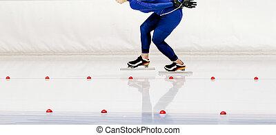 women speed skater