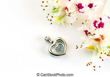 Women's jewelry, the symbol of the heart
