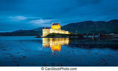 Wonderful dusk over loch at Eilean Donan Castle in Scotland