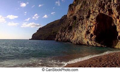 Wonderful lonesome bay