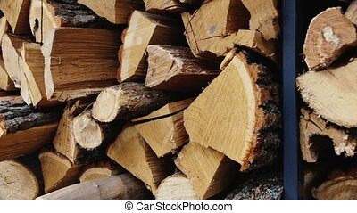 Wood from fruit trees to the smokehouse