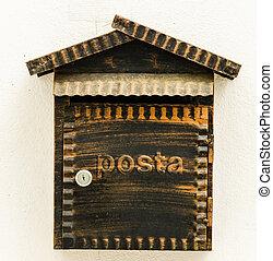 Wood mailbox