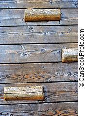 wooden apró