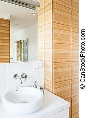 Wooden details in your bathroom