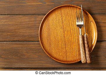 Wooden empty plate