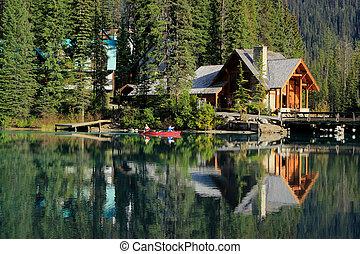 Wooden house at Emerald Lake, Yoho National Park, Canada -...