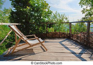 wooden karosszék, öreg, erkély