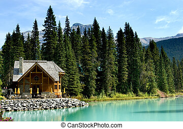 Emerald lake - Wooden retreat on Emerald lake, Yoho national...