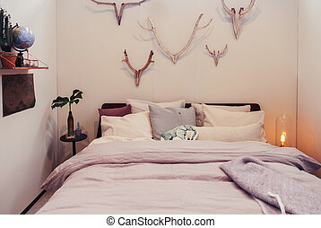 wall decoration in bedroom
