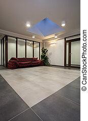 Woodland hotel - sofa - Woodland hotel - huge red sofa in...
