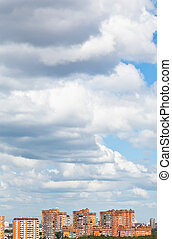 woolpack, cidade, sobre, nuvens, baixo