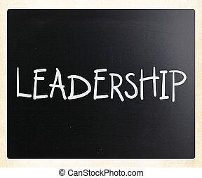 """woord, bord, """"leadership"""", krijt, witte , met de hand geschreven"""