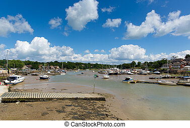 Wootton Bridge boats Isle of Wight - Wootton Bridge Isle of...