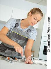 worker in the kitchen