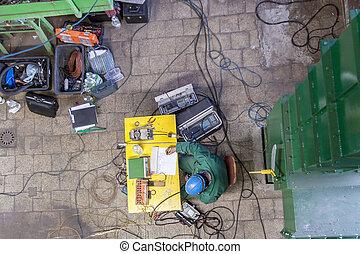 Worker measurement emission in power station.