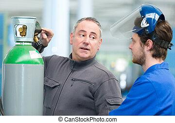 worker training apprentice worker