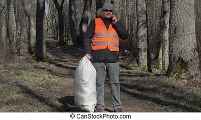 Worker with bag finish to talking