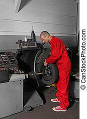 Working Mechanist