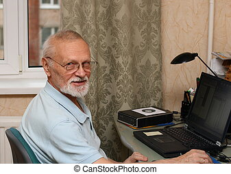 senior with laptop