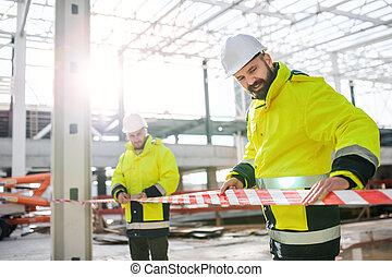 working., umiejscawiać, outdoors, mężczyźni, reputacja, pracownicy, zbudowanie