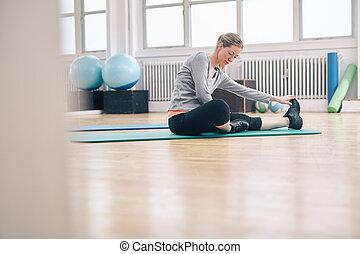 workout, frau, anfall, dehnen