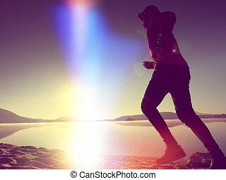 workout, rennende , springt, zee, alleen, man, strand, vrolijke