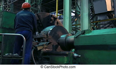 Workpiece processing on lathe