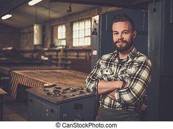 workshop., carpintería, el suyo, posar, carpintero, lugar de trabajo