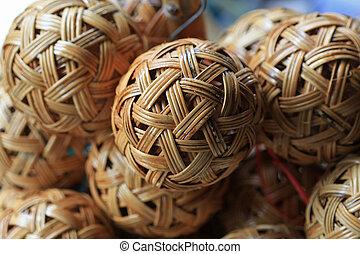 Woven wickerwork ball