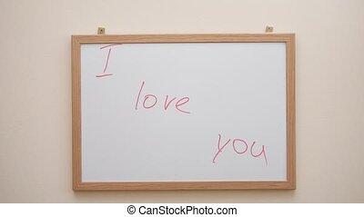 wręczać pisanie, i, ścieranie, przedimek określony przed rzeczownikami, napis, ja kocham was, z, czerwony, markier, na białym, deska