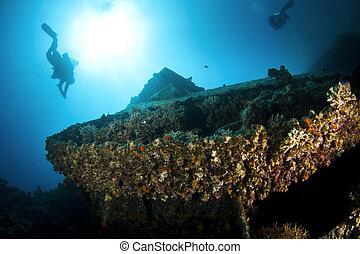 wreck diving, tank