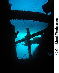 Wreck ships