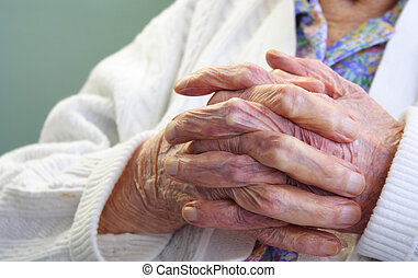 Wrinkles - Old wrinkle hands