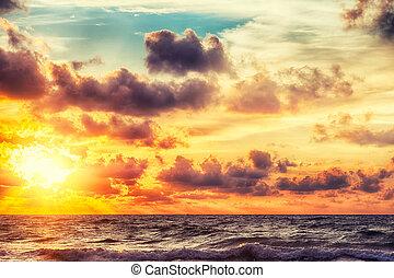 wschód słońca, morze