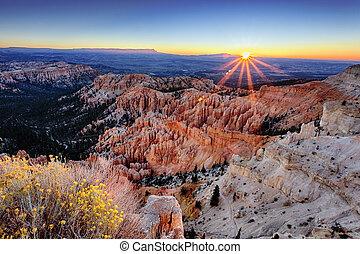 wschód słońca, na, bryce kanion