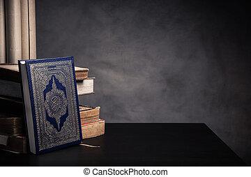 wszystko, święty, ), (, -, koran, pozycja, książka, muslims, stół, wciąż, publiczne życie