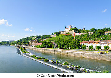 The Marienberg fortress and the Main river.