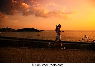 wyścigi, kobieta, zachód słońca, młody
